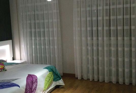 Cortinas de dormitorio en zaragoza cortinajes com n - Tipos de cortinas para dormitorio ...
