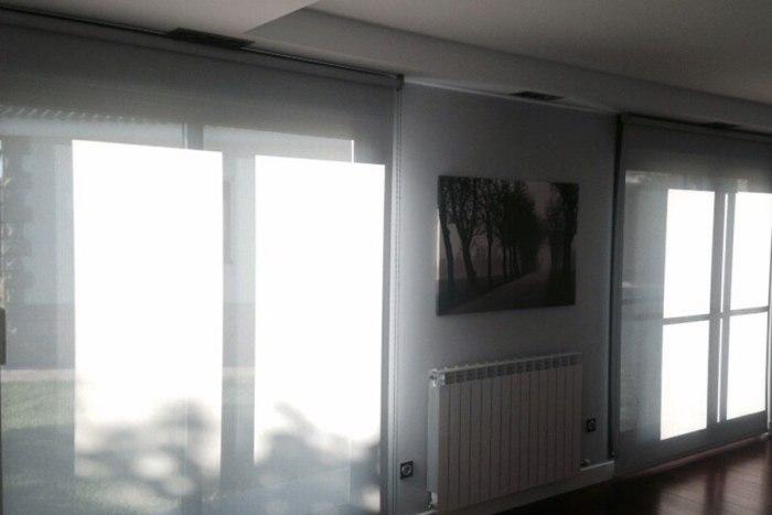 cortina enrollable aislante