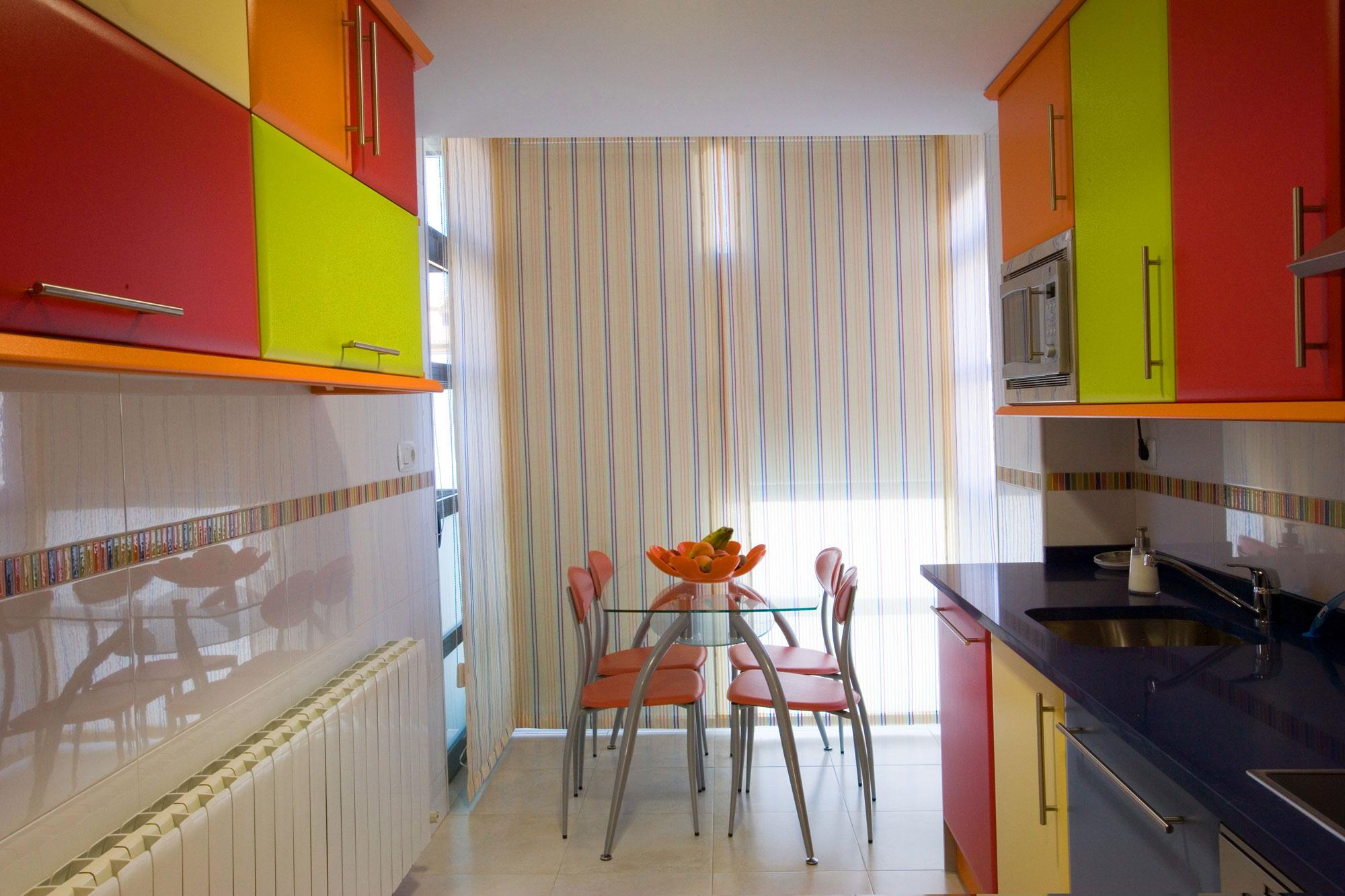 Estores para cocinas blancas las cortinas enrollables en for Estores de cocina modernos